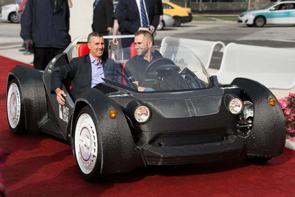 Local-Motors-3D-Printed-Car-Drives-at-IMTS16